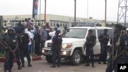 Face a face entre Etienne Tshisekedi et la police Kinshasa 26 Novembre 2011