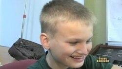 Американка працює з українськими дітьми-інвалідами