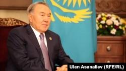 Qozog'iston prezidenti, 73 yoshli Nursulton Nazarboyev Sovet davridan buyon mamlakatni boshqarib keladi.