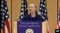 美國國務卿克林頓星期六在日內瓦發表講話