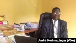 Le docteur Evariste Ngarlem Toldé, ancien président de l'Union des journalistes tchadiens, le 5 septembre 2018. (VOA/André Kodmadjingar)