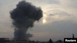 2013年1月2日據活動人士表示﹐戰火升起處乃敘利亞政府軍火箭攻擊的地點