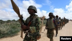 Tentara misi Uni Afrika di Somalia (Amison) melakukan patroli di pinggiran Mogadishu (foto: dok).