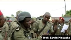 Cameroon gendarmes arrive in the English-speaking town of Buea, Jan. 9, 2020. (Moki Kindzeka/VOA)