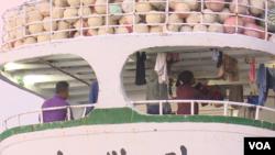 台灣漁船普遍僱佣外籍船員。 (2017年9月16日 美國之音記者黎堡攝)