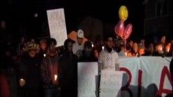 美國民眾為死於警察槍下黑人青年燭光守夜