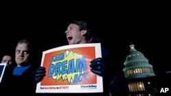 Biểu tình ủng hộ DACA trước Điện Capitol, Washington ngày 19/1/2018, .