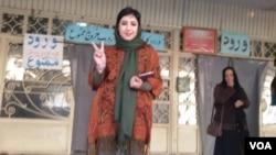 خانم فرقدانی، ۳۰ ساله، روز سه شنبه از زندان آزاد شد.