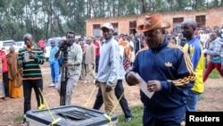 Pierre Nkurunziza já votou.
