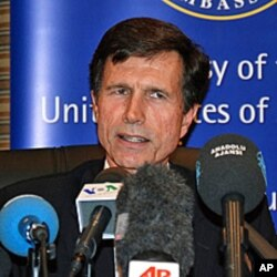 US Assistant Secretary of State Robert Blake at Bishkek news conference, 15 Apr 2010