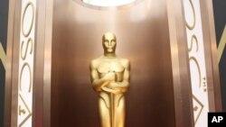 Patung Oscar di Dolby Theatre, Los Angeles.
