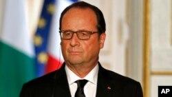 Presiden Perancis Francois Hollande mengumumkan bahwa Perancis akan memulai serangan udara terhadap militan ISIS di Suriah (14/9).