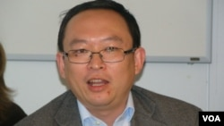 余杰 民运人士 (Yu Jie, Chinese Dissident) (美国之音宋德成)