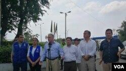 El Senador estadounidense Tim Kaine estuvo en Cúcuta, en la frontera entre Colombia y Venezuela, para ver cómo viven los venezolanos allí y llevar un fuerte mensaje al Senado de EE.UU.