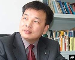 北京时事评论员、中国政法大学法制新闻研究中心研究员陈杰人