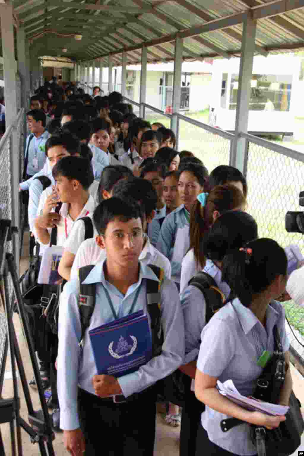 Cambodian Students Lined Up to Attend Khmer Rouge Trial, Phnom Penh, June 27, 2011