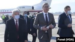 Predsednik Srbije na aerodromu u Sarajevu povodom uručivanja vakcina BiH