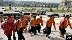 အာဏာရ NLD အစိုးရနဲ႔ အရပ္ဖက္လုူမႈအဖဲြ႕မ်ား (တိုက္႐ိုက္ေလလိႈင္း)
