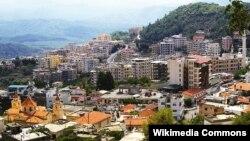 Dîmenek ji bajarokê Keseb ku serhildayên Sûrî nuha kontrol dikin.