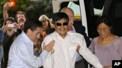 Cheng Guangcheng Arrives in NY