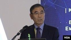 이상희 전 국방장관이 16일 북한 관련 토론회에서 발언하고 있다.