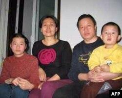 高智晟被捕前与家人