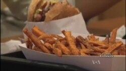 Американські дієтологи вирішили, що бургери шкодять довікіллю. Відео