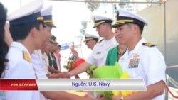 Đại tá Mỹ gốc Việt đưa tàu chiến tới Đà Nẵng