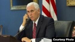 El vicepresidente Mike Pence reiteró el apoyo del gobierno de EE.UU. al pueblo venezolano y reiteró que habrá más sanciones económicas fuertes y rápidas si el presidente Nicolás Maduro impone su Asamblea Constituyente el domingo 30 de julio.