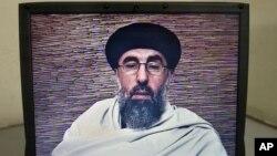 آقای حکمتیار از طالبان هم خواسته است تا دست کم روند صلح را به آزمایش بگیرند