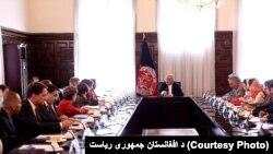د امریکا د کانګرس دغه پلاوی د پنجشنبې په ورځ په ارګ کې د افغان حکومت له مشرانو سره کتلي دي.