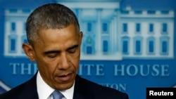 Presiden AS Barack Obama menyampaikan pernyataannya di Gedung Putih (23/4) mengenai tewasnya dua sandera dalam operasi kontra-terorisme oleh AS di perbatasan Afghanistan dan Pakistan.