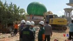 印尼在龍目島清真寺搜救地震生還者