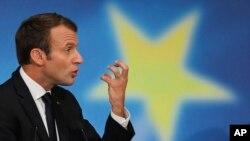 Пропозиції французького президента Еммануеля Макрона передбачають для ЄС спільний бюджет, окремі єдині податки і спільні військові сили
