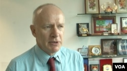 國際戰略研究所亞洲部執行主任赫胥利 (美國之音黎堡攝)