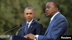 Tổng thong Mỹ Barack Obama và Tổng thống Kenya Uhuru Kenyatta tại buổi họp báo chung ở Nairobi hôm 25/7.