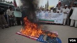 14일 파키스탄 페샤와르시의 반미 시위대.