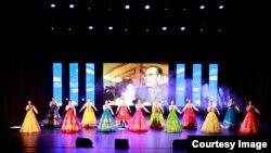 탈북 여성들로 구성된 `평양예술단' 공연 장면. 사진 출처 = 평양예술단 웹사이트.