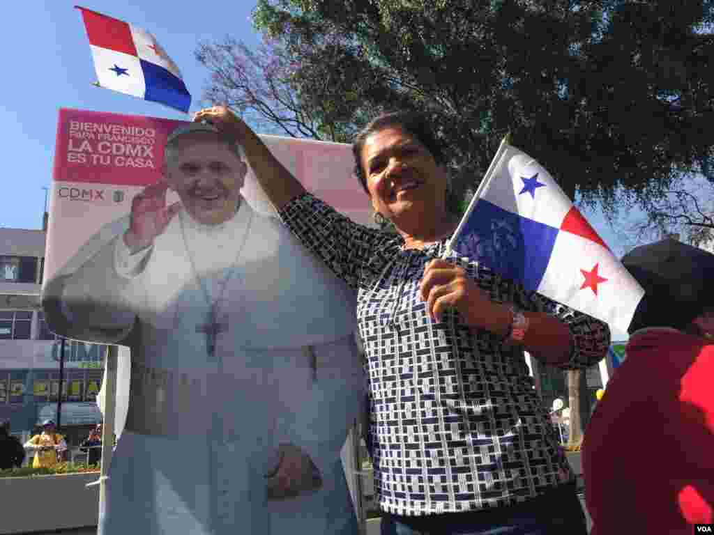 This woman traveled from Panama to see the pope. She posed for a picture while waiting outside the Basilica of Our Lady of Guadalupe, Mexico City, Feb. 13, 2016. (C. Mendoza/VOA)