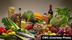 Uzmanlar, düşük yağlı diyetler yerine zeytinyağı ve sert kabuklu yemişlerin bulunduğu Akdeniz diyetini öneriyor