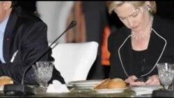 Скандал тягне Гілларі Клінтон на дно. Відео