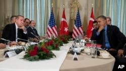 Встреча Барака Обамы c Реджепом Тайипом Эрдоганом. Париж, Франция, 1 декабря 2015.