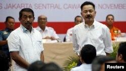 Pendiri Lion Air Group Rusdi Kirana (kanan) dan CEO Lion Air Group Edward Sirait mendengarkan pertanyaan dari para keluarga korban Lion Air JT610 saat pertemuan di Jakarta, 5 November 2018 lalu (foto: dok).