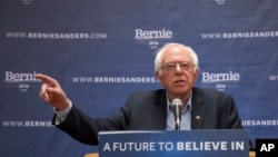 """واکنش برنی سندرز به اظهارات پال سانگ است که برخی از دموکرات ها را """"روسپی های"""" وابسته به """"شرکت های بزرگ"""" نامید"""