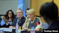 지난달 20일 유엔 북한인권 조사위원회(COI)가 서울에서 개최한 북한 인권 공청회에서 정치범수용소 출신 탈북자 신동혁 씨가 질문에 답하고 있다. (자료사진)