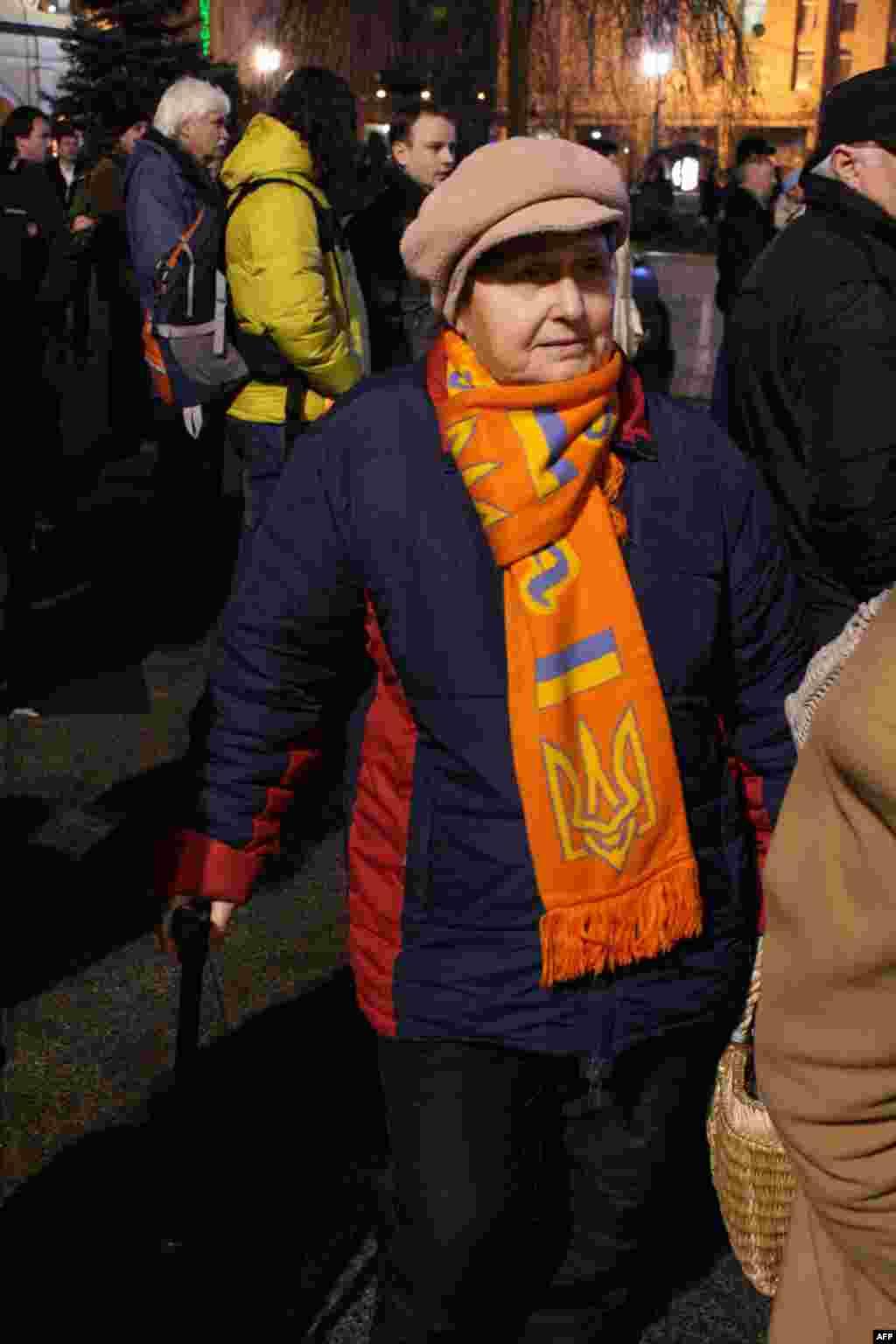 """Пусть не так много, но среди тысячи людей хорошо был заметны те, кто сохранил память об """"оранжевой революции"""""""