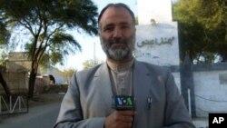 2012年美国之音记者阿提夫在巴基斯坦西北部作报道