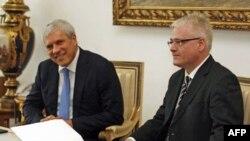 Predsednici Hrvatske i Srbije Ivo Josipović i Boris Tadić tokom susreta u Zagrebu, 24. novembra 2010.