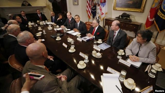 Tổng thống Obama họp với các cảnh sát trưởng để thảo luận về việc giảm bạo động do súng đạn gây ra 28/1/13
