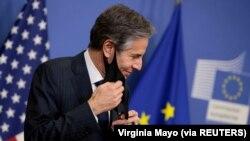 Menteri Luar Negeri AS Antony Blinken menghadiri konferensi pers di Brussels, Belgia, 24 Maret 2021. (Foto: Virginia Mayo via REUTERS)